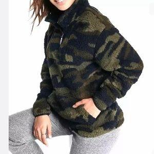 Victoria's Secret PINK Camo Sherpa Pullover - M